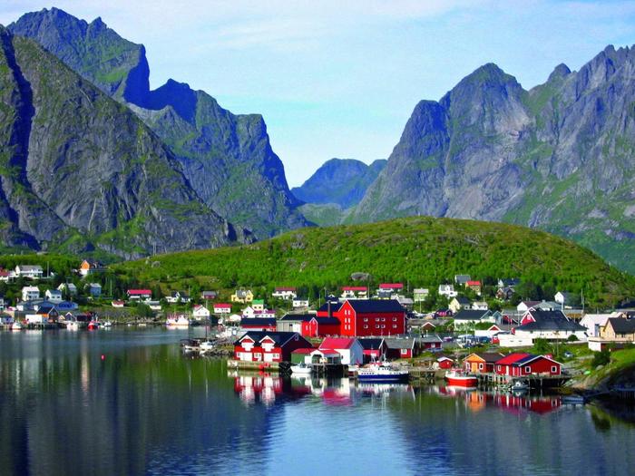 4. Рейне, Норвегия (700x525, 508Kb)