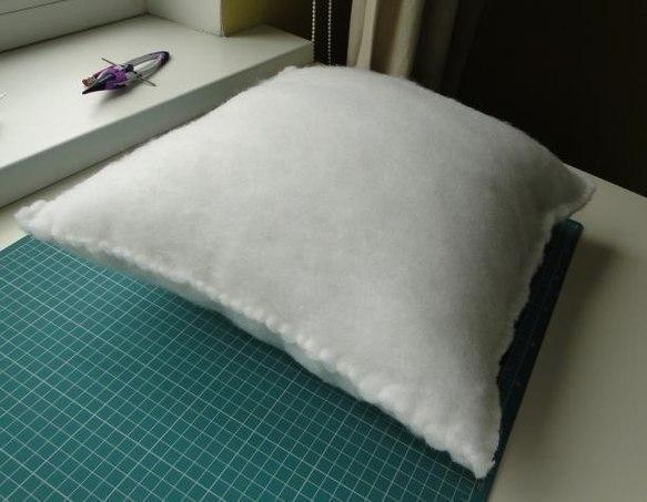 Как сшить подушку с синтепоном своими руками