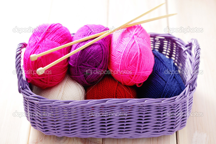 depositphotos_39829959-Ball-of-wool (700x466, 402Kb)