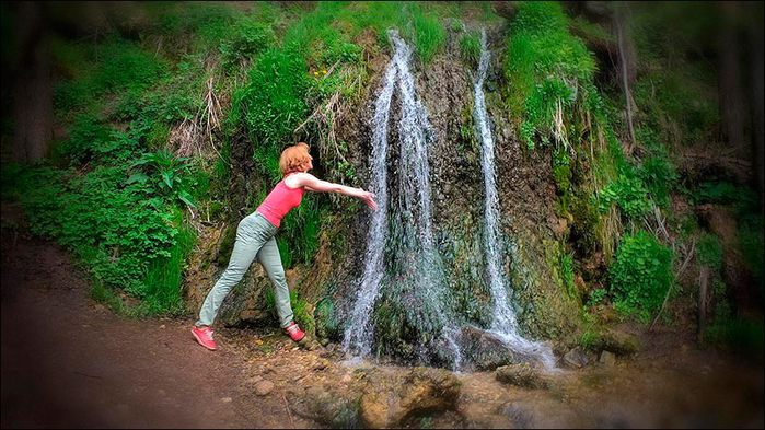Водопад Радужный на Наре