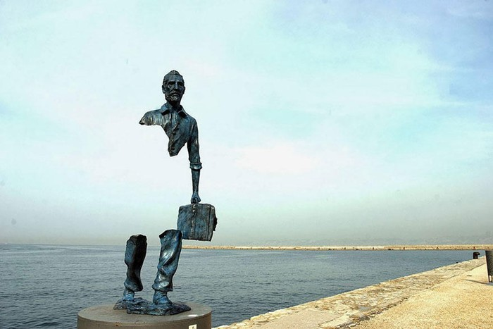 Самые необычные памятники скульптуры в разных странах