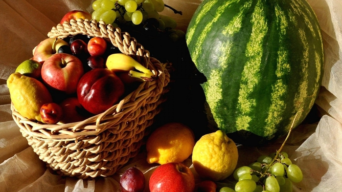yagody-frukty-arbuz-limon (700x393, 245Kb)