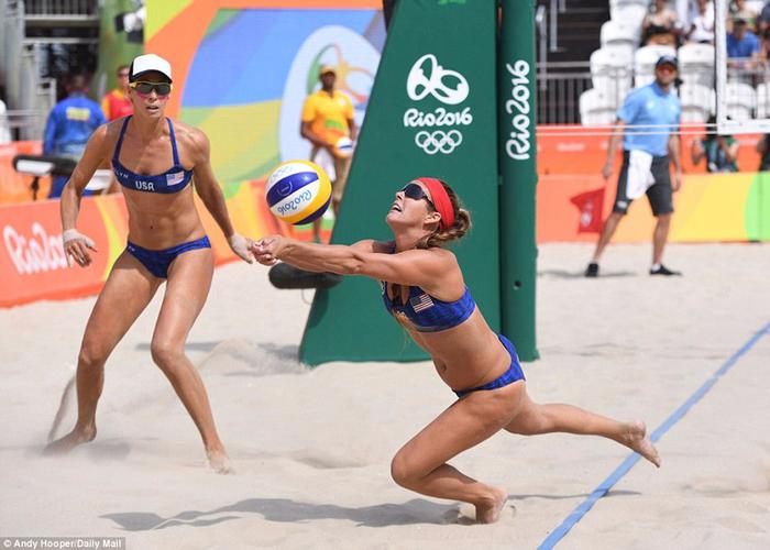 пляжный волейбол на Копакабана фото 10 (700x500, 364Kb)