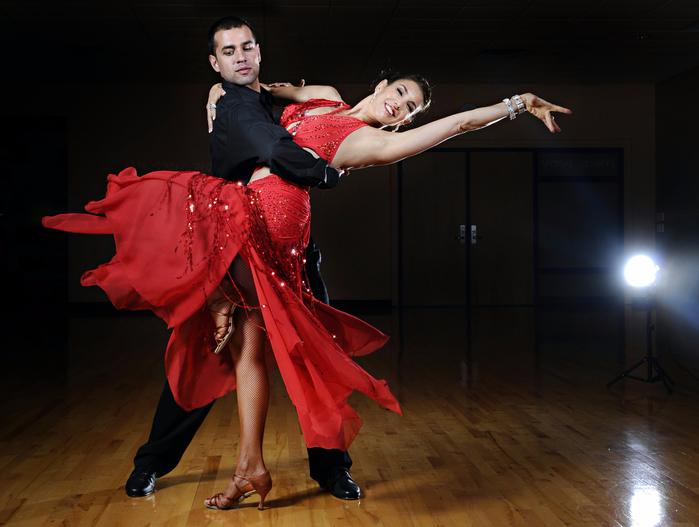 ! ) 0_)))-dancing (700x527, 344Kb)