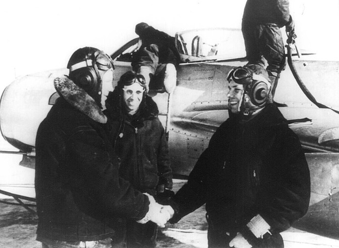Юрий Гагарин   гражданин Земли: история и фотографии первого космонавта
