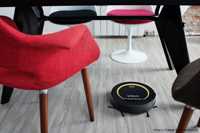 8_Robot_vacuum_cleaner_GUTREND_FAN_110_PET_BY (700x466, 242Kb)