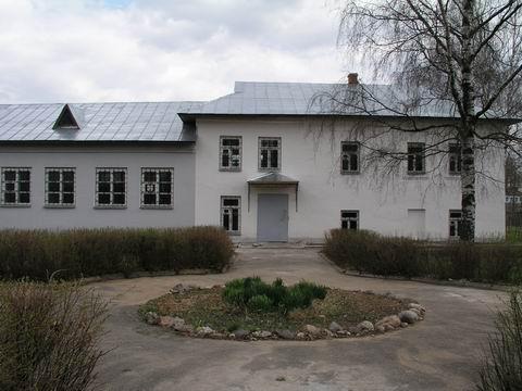 Здание музея Д.А.Фурманова. г. Фурманов. 2003 г. (480x360, 117Kb)
