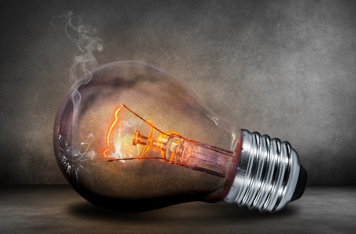 light-bulb-current-light-glow-40889 (700x461, 99Kb)