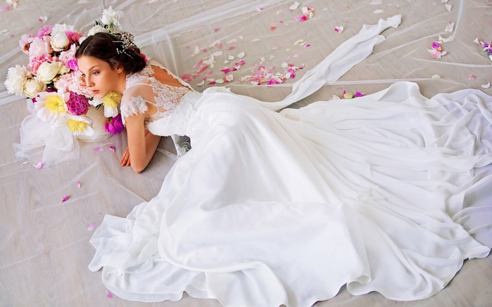 2749438_Modeli_svadebnih_platev (700x437, 204Kb)