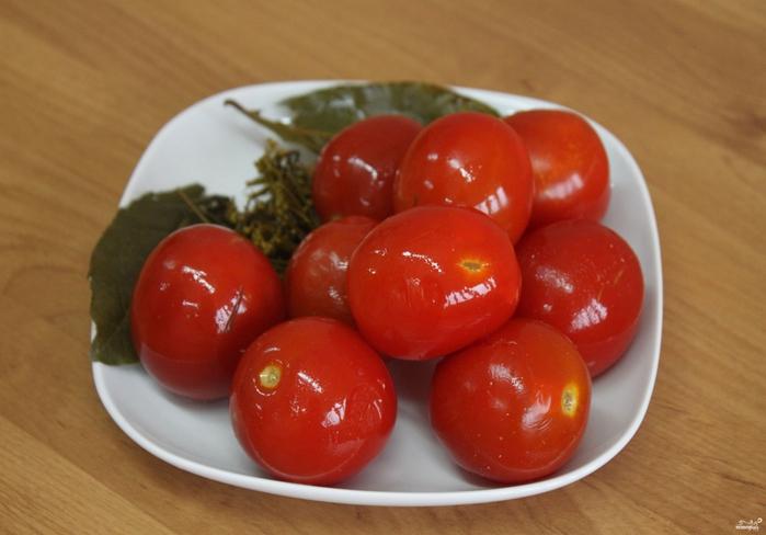 Засолка помидоров/5281519_zasolka_pomidorov_v_bochkah262799 (700x488, 210Kb)