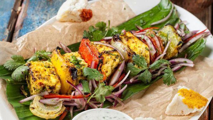 индийское блюдо Панир Тикка (сыр, запеченный с болгарским перцем) (700x394, 64Kb)