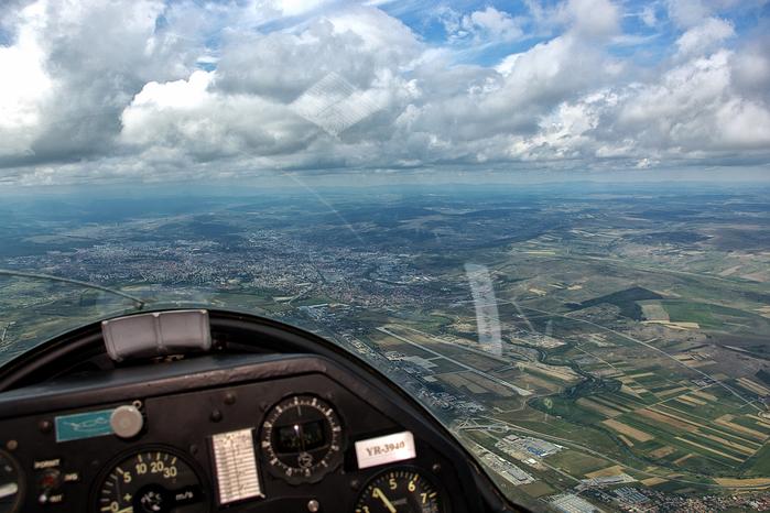 flying-over-cluj-napoca-romania (700x466, 350Kb)