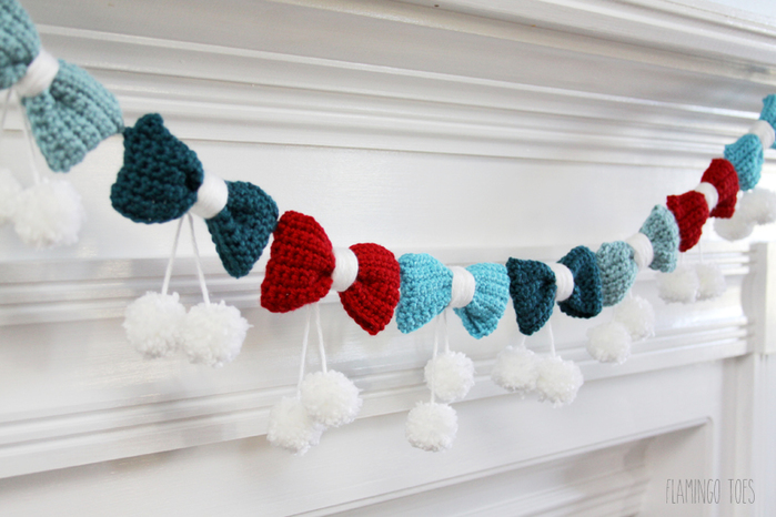 Bows-and-Pom-Poms-Garland (700x466, 243Kb)