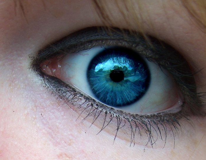 2627134_Dark_Blue_eyes_by_awakenbydreams_stock (700x542, 254Kb)