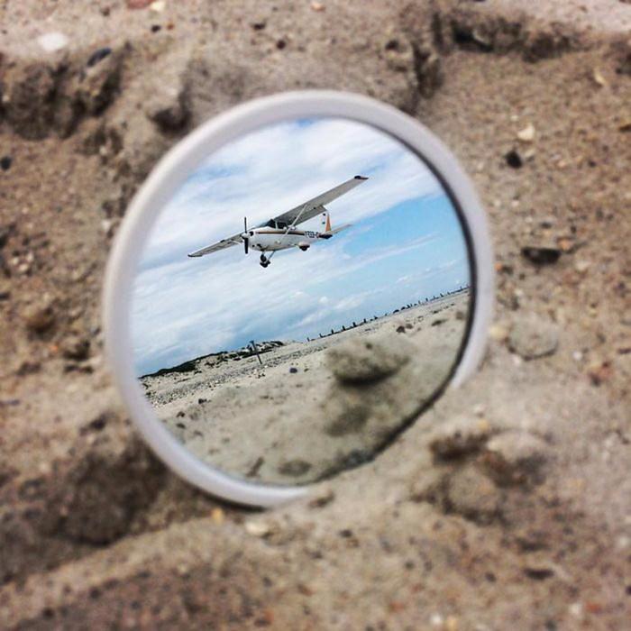 Мир в зеркальном отражении   девушка фотограф The Reflectionist