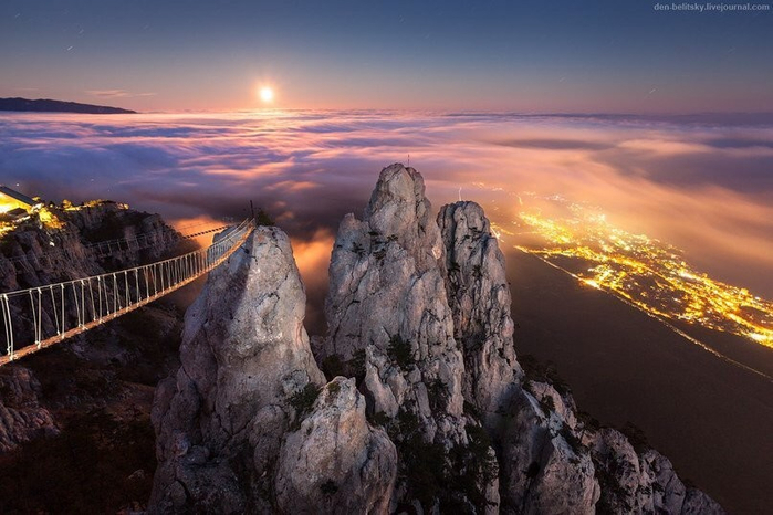 Мост в небо, Ай-Петри, Крым. Фото Денис Белицкий (700x466, 322Kb)