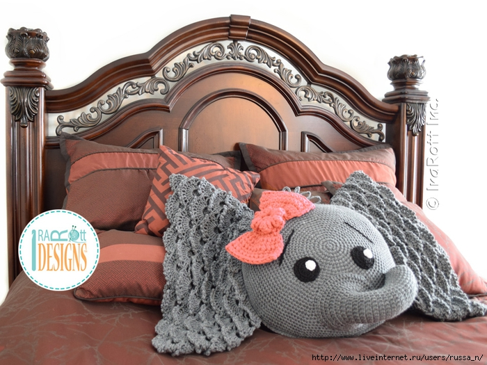 Josefina_and_Jeffery_Elephants_Pillow_Pattern_by_IraRott__6_ (700x525, 299Kb)