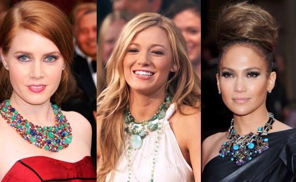 Колье – украшение, которое способно подчеркнуть красоту и грацию шеи!