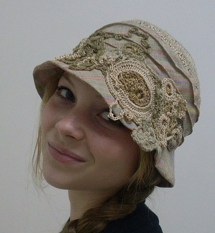Делаем шляпки из ничего легко и просто/1783336_399a3532dbe7b92d5aff57a3aahxaksessuaryshlyapkaizlnamechtablondinki (420x455, 60Kb)