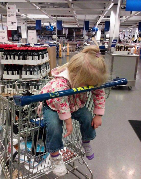 funny-kids-sleeping-anywhere-54-57a98a952b8d4__605 (552x700, 509Kb)