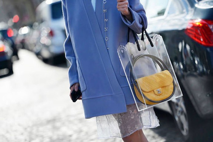 Почему риверсайд стал самым модным цветом осени 2016?