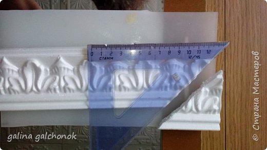 Рамка из потолочного плинтуса мастер