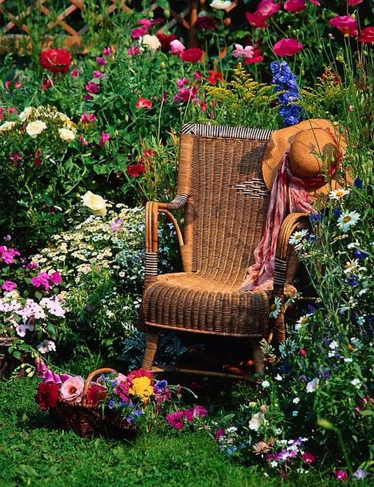 Уютные места в саду1 (536x700, 628Kb)