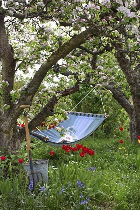 Уютные места в саду1б (466x700, 445Kb)