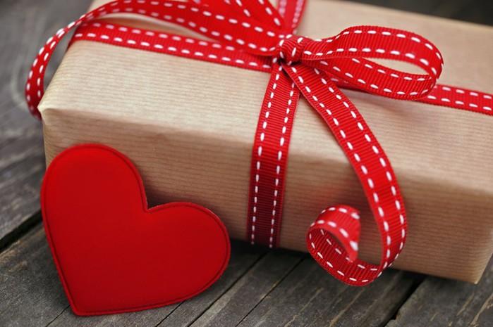 Выбор подарка   нелегкое дело... Нужны советы?
