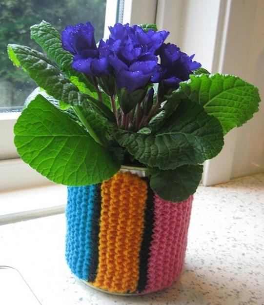 Декорирование цветочных горшков своими руками   Украшение кашпо разноцветными нитками