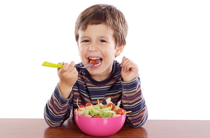 Правила: чтобы маленький ребенок не подавился