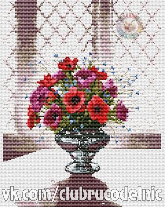 Silver Vase (559x700, 526Kb)