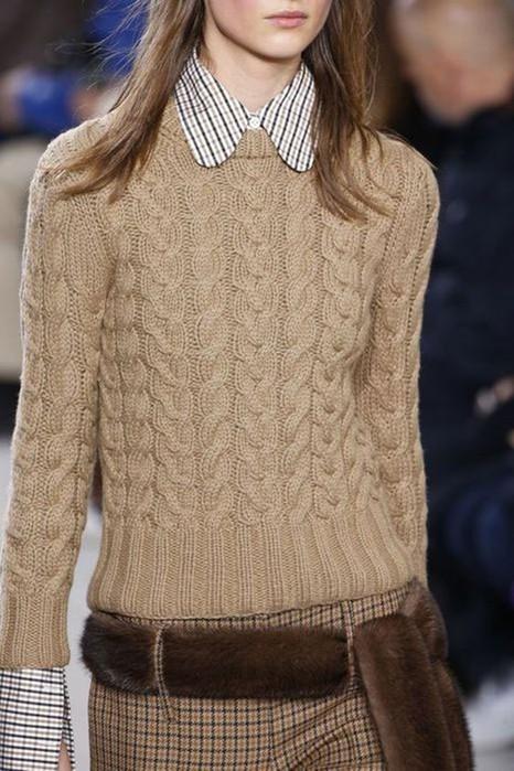 Как утеплить и стильно украсить свой образ: 10 вязаных вещиц для каждой модницы!