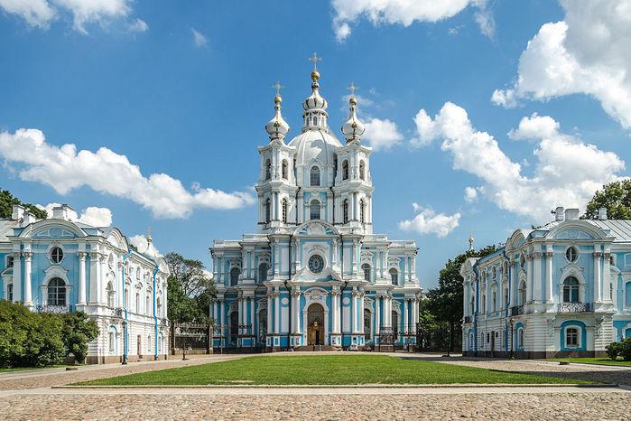 1024px-Smolny_Cathedral_SPB_02 (700x466, 95Kb)