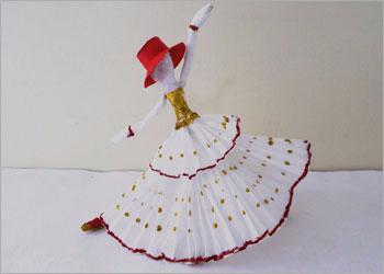 Куколки-танцовщицы из салфеток. Видео мк (2) (350x250, 44Kb)
