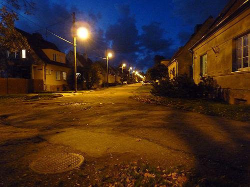 1024px-EU-EE-TLN-PT-Kopli-Sirbi_street_in_autumn_evening (500x375, 299Kb)