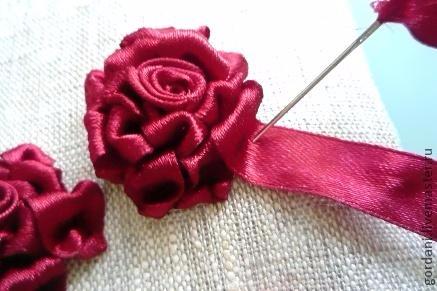 Роза. Вышивка лентами (29) (437x291, 123Kb)