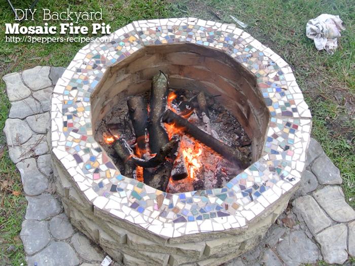 backyard-mosaic-firepit4-logo (700x525, 544Kb)