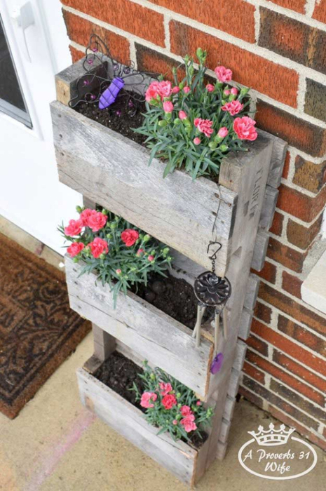 12-Creative-DIY-Pallet-Planter-Ideas-for-Spring-Pallet-Planter-for-Butterflies (465x700, 359Kb)
