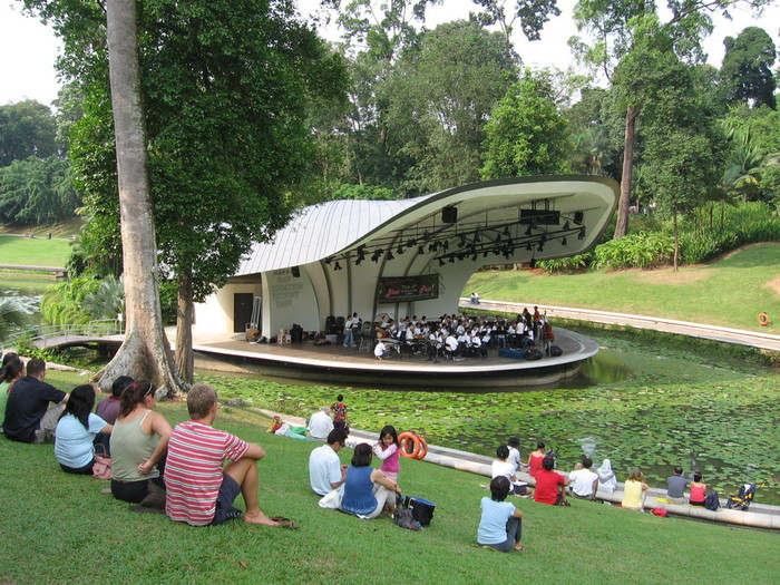 Singapore_Botanic_Gardens,_Symphony_Lake_21,_Sep_06 (700x525, 177Kb)