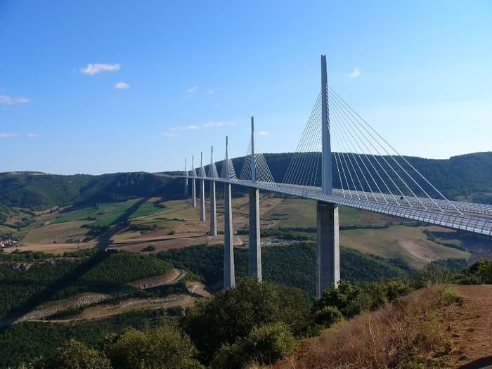 мост Мийо во франции 2 (700x525, 390Kb)