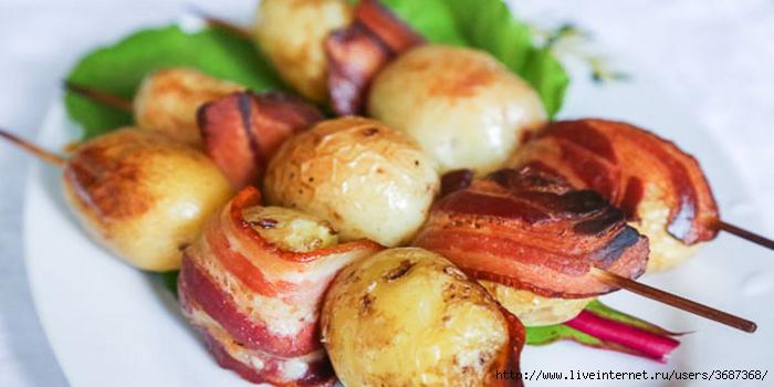 Молодой картофель с беконом на шпажках (700x350, 164Kb)