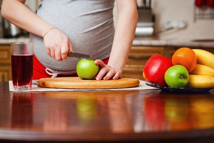 Так ли опасно влияние алкоголя на беременность? Что именно делает алкоголь с беременной женщиной