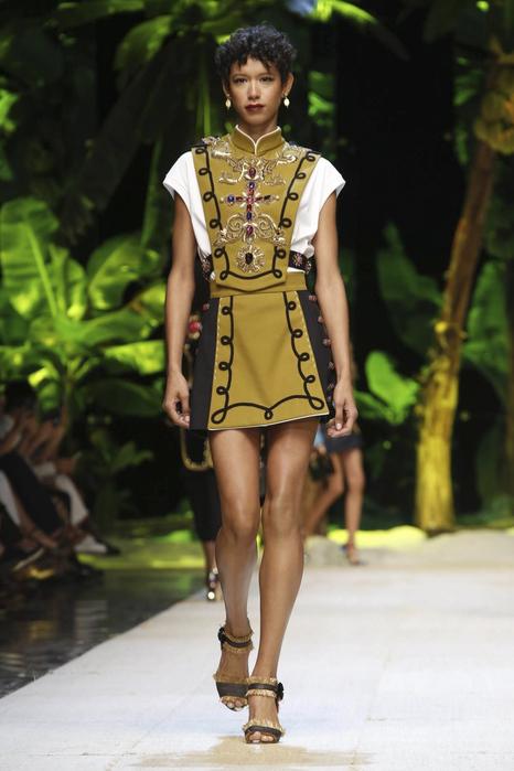 Dolce-Gabbana-RTW-SS17-Milan-1880-1474814780-bigthumb[1] (466x700, 151Kb)
