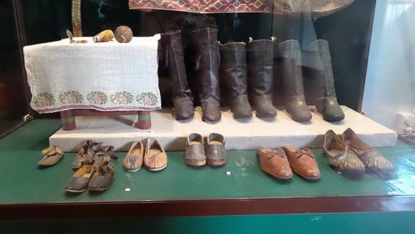 обувь из сафьяна (600x338, 175Kb)