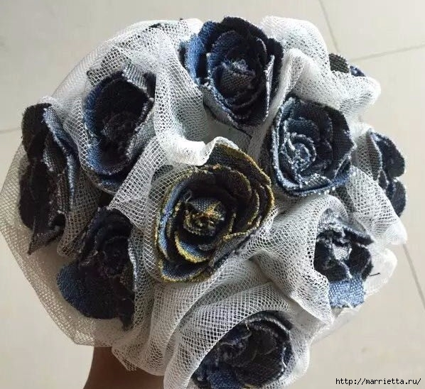 Букет цветов из джинсовой ткани (15) (598x548, 225Kb)