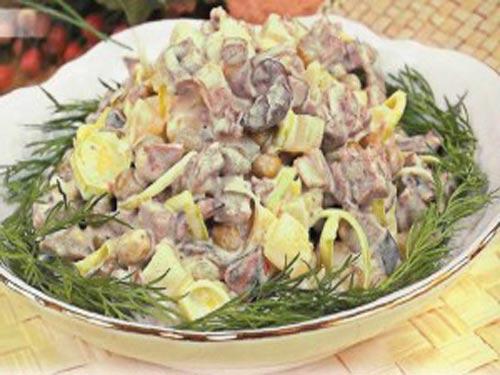 salat-myasnoy-s-gribami (500x375, 38Kb)