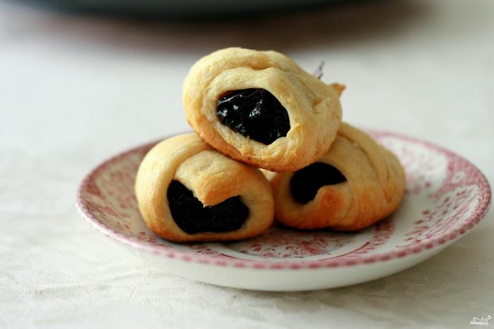 Рецепты из чернослива/5281519_rogaliki_s_chernoslivom316069 (700x466, 178Kb)