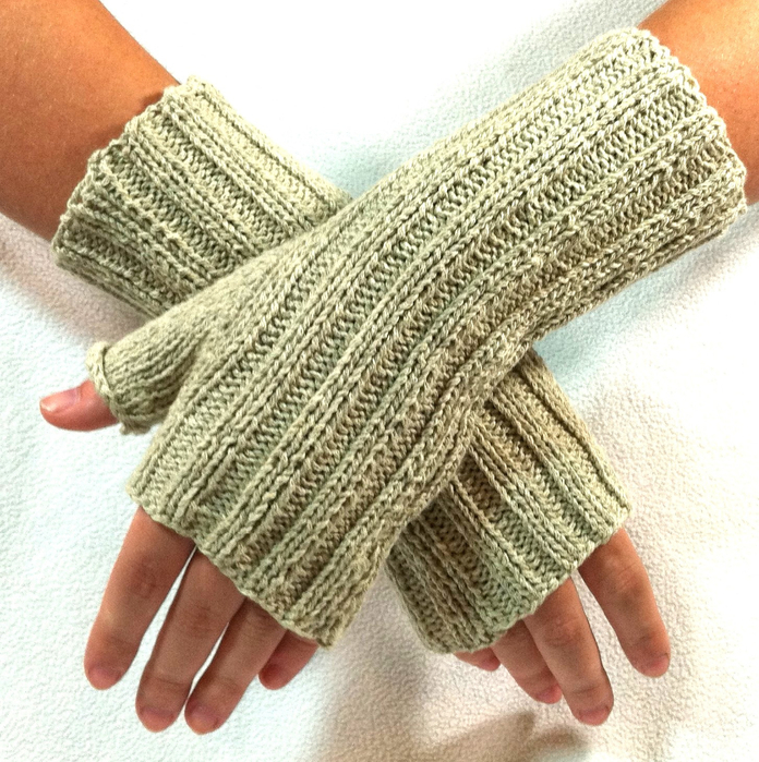 Kara's Fingerless Gloves by Laurie Gonyea (696x700, 562Kb)