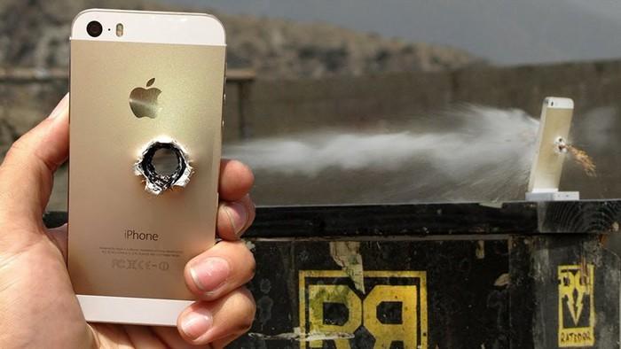 Премьер министр шпилится в Покемонов, Apple обманывает пользователей и другие «гаджетные» новости